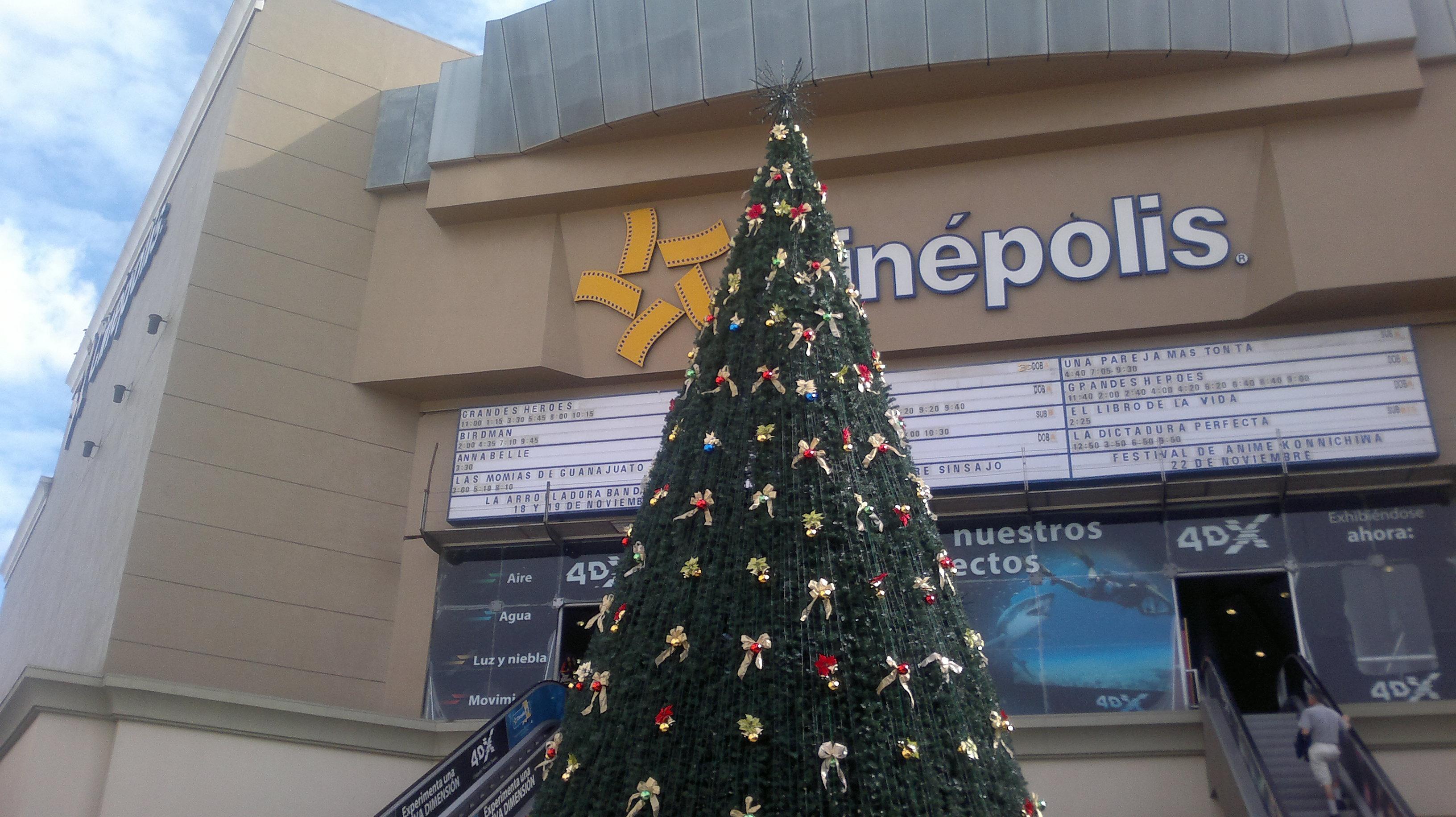 Llegó ambiente decembrino a Plaza Río, centro comercial de 130 locales y afluencia diaria de 30 mil consumidores