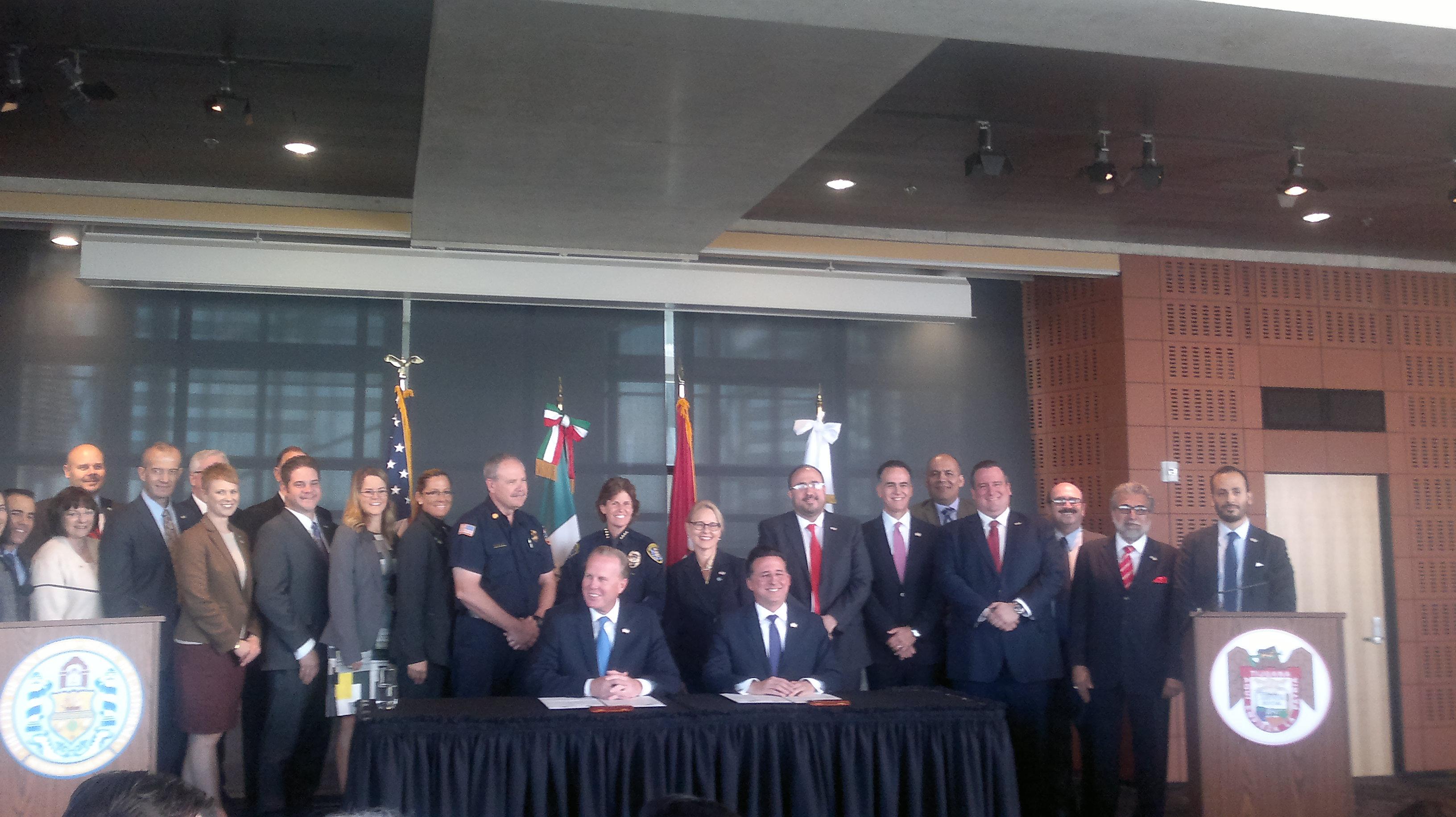 Fotos firma del Memorándum de Entendimiento Tijuana-San Diego