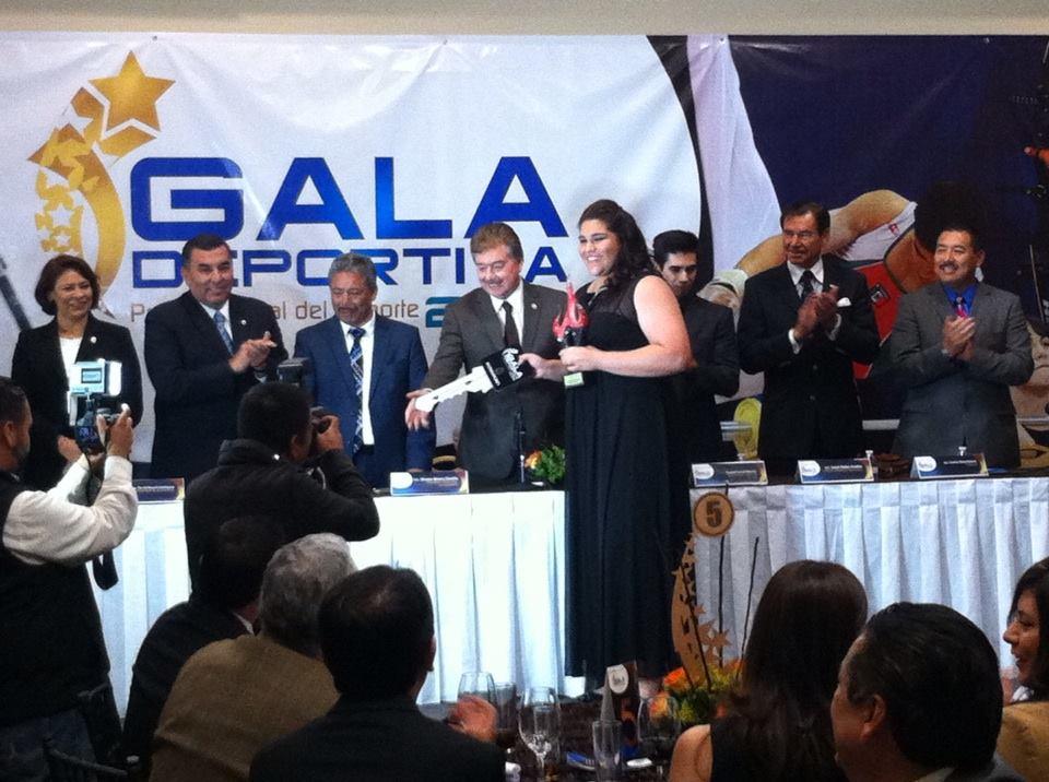 Lanzadora bajacaliforniana María Fernanda Orozco,  Premio Estatal del Deporte 2014