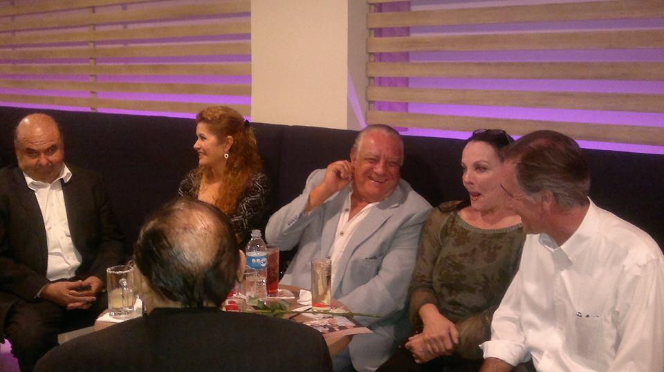 Sasha Montenegro  estuvo en Tijuana y accedió a tomarse fotos con admiradores