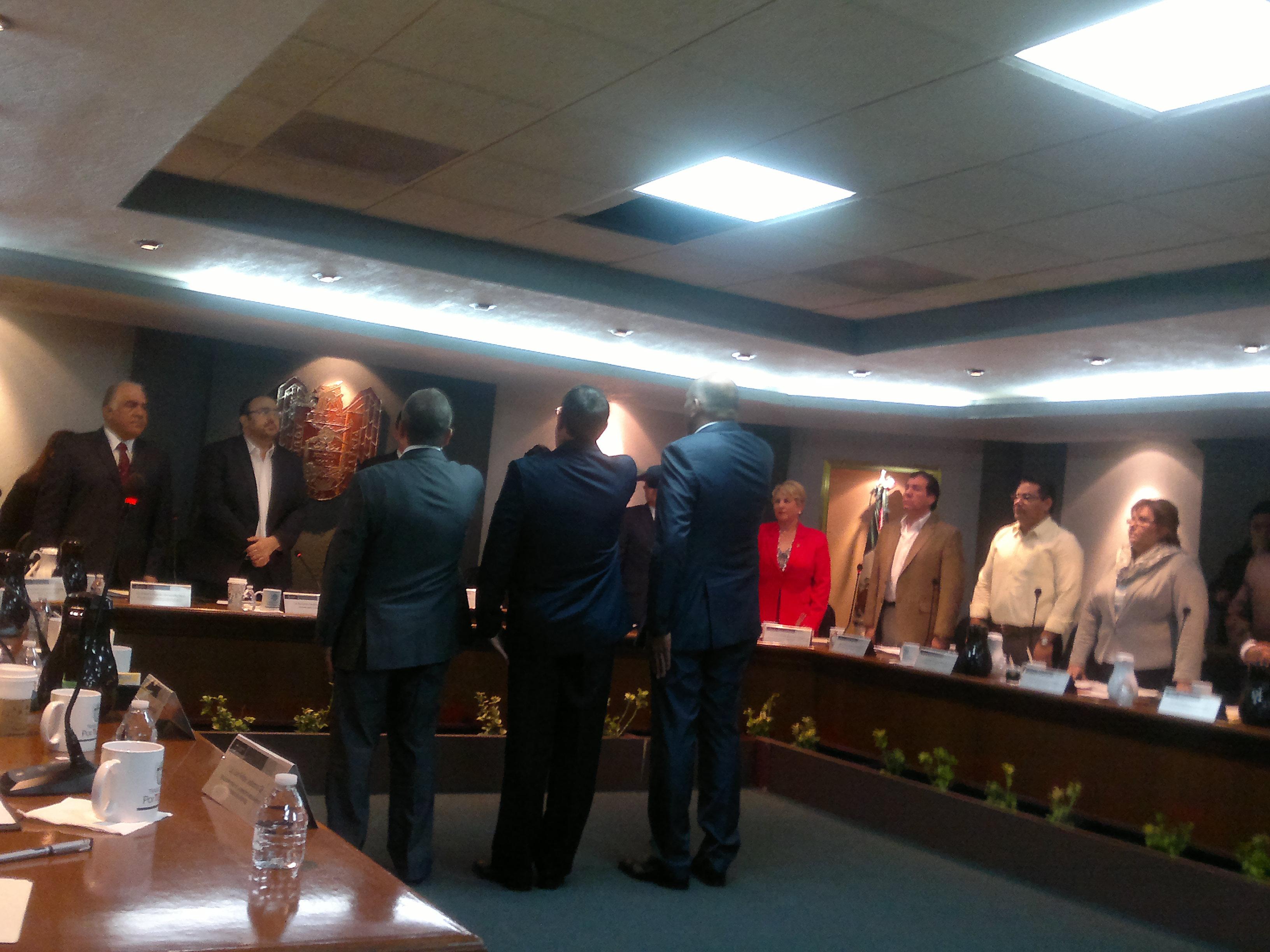 Poco protocolo en Sesión de Cabildo para otorgar  licencia a regidora precandidata a diputada federal