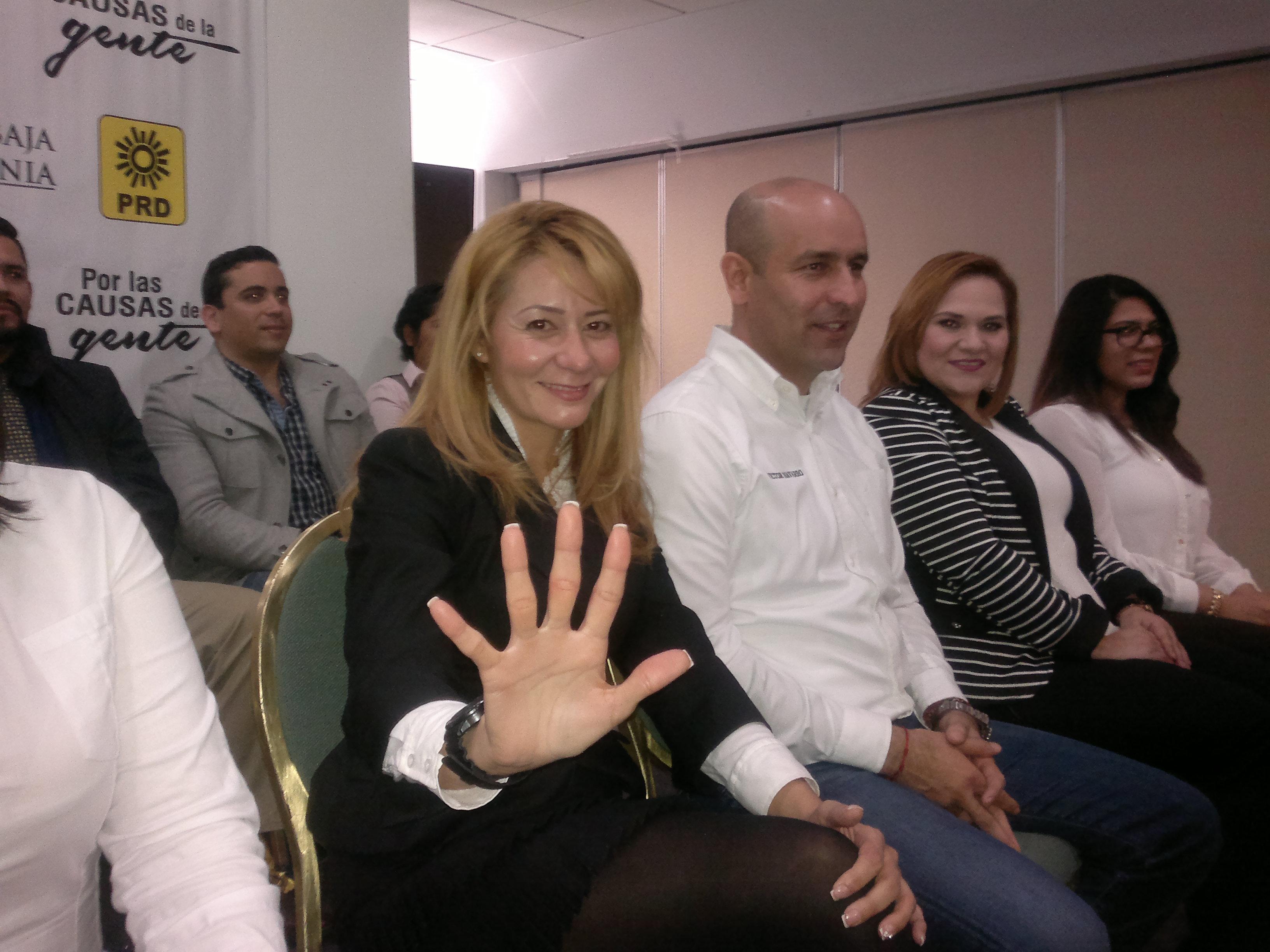 Presentó precandidatos a diputados PRD, Vicepresidenta de Turismo en Canaco, Ivette Casillas va por el V Distrito