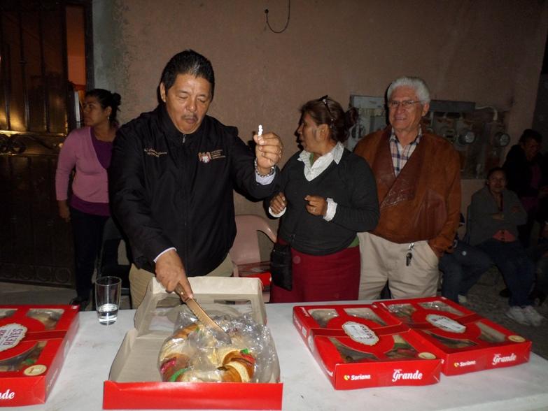 Regidor Cañada repartió mil Roscas de Reyes colonias más olvidadas de Tijuana