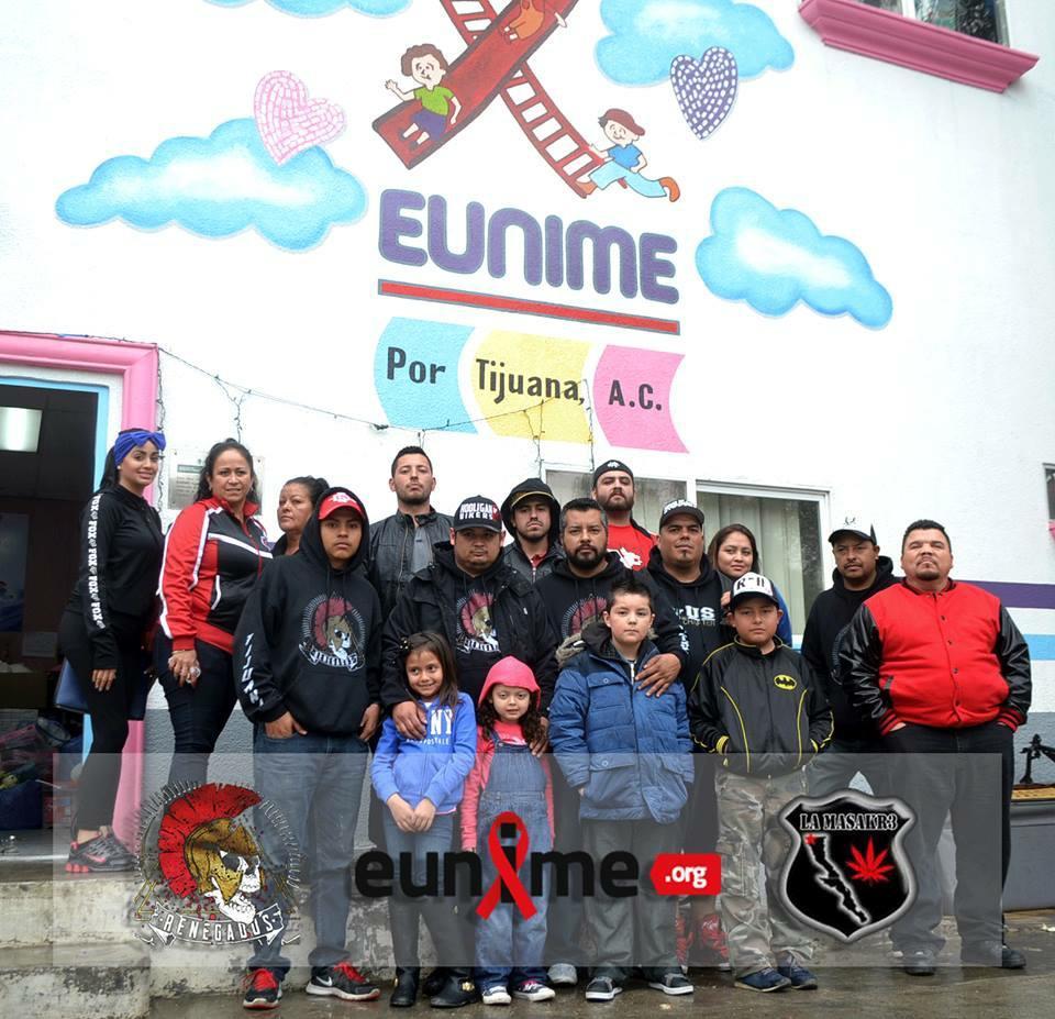 El club Renegados Off Road que coordina Carlos Medina, junto con su esposa y la porra de los Xolos La Masacre hicieron una visita a la casa hogar Eunime para entregar juguetes y alimentos