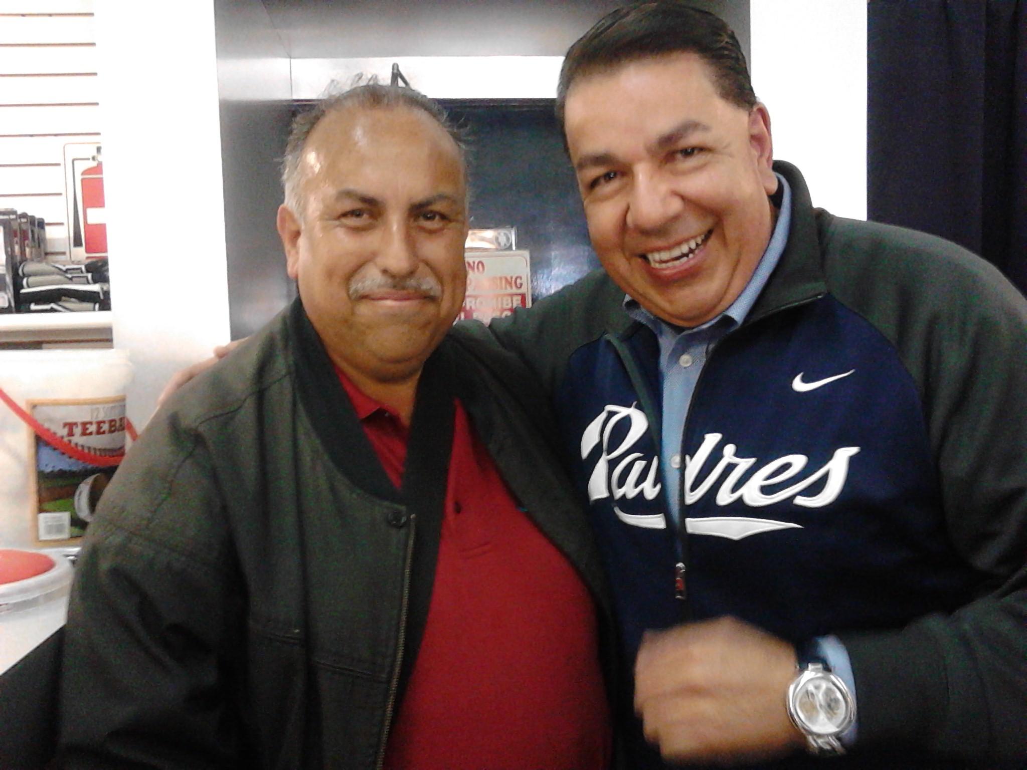 """""""Lalo"""" Ortega a su 30 temporada con los Padres de San Diego"""