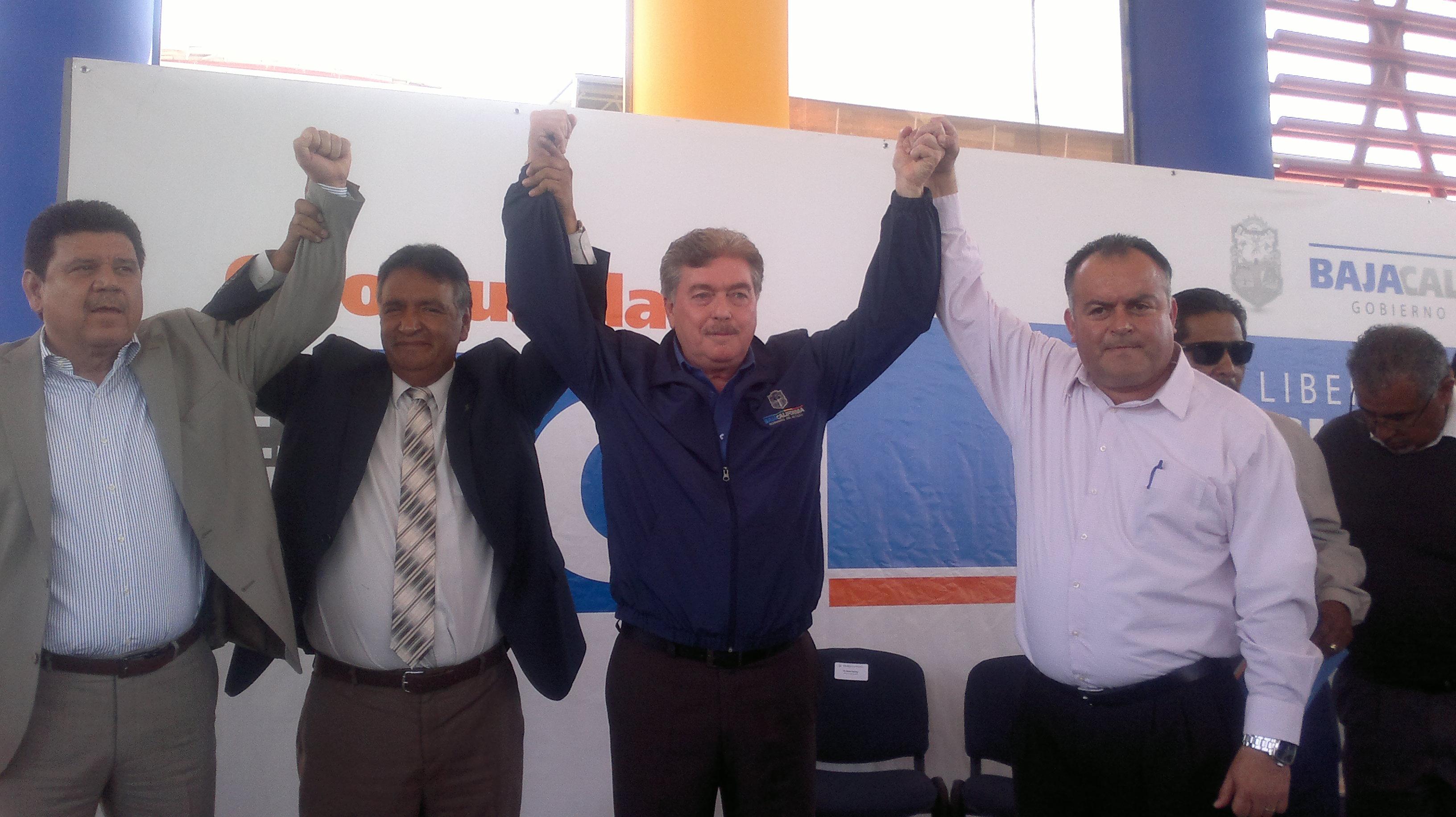 Asegura gobernador Francisco Vega  que entregarán 2 mil 477 jubilaciones humanitarias a maestros en 2015
