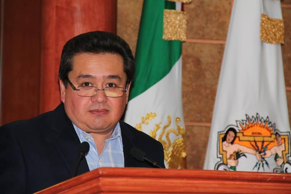 Contempla Olimpo Hernández participar por una diputación federal sin pedir licencia al Congreso