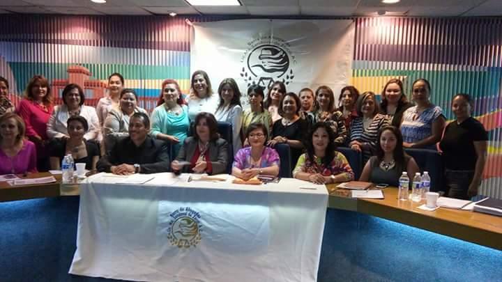 Ana Erika Santana, nueva presidenta de la Barra de Abogadas
