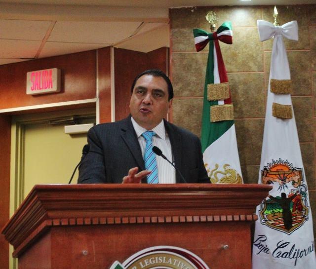 Molestos,  los legisladores de municipios  Que perdieron diputados: Cardona
