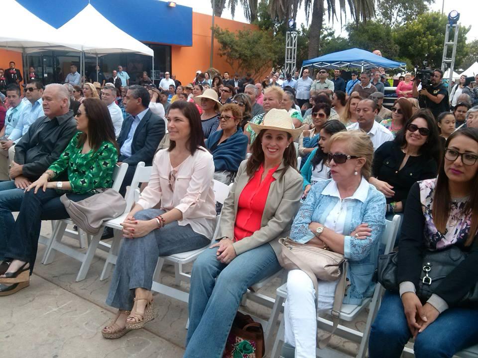Halaga a Laura Torres la mencionen para  candidata de  la presidencia de Rosarito
