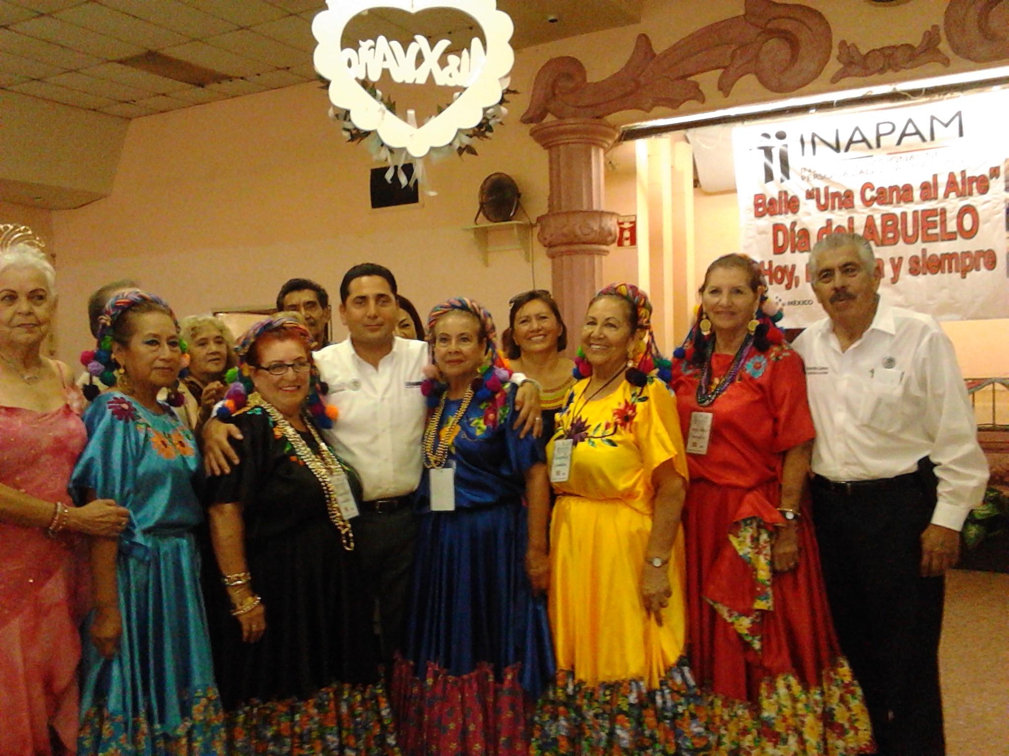 Realizan el Inapam  baile para abuelitos