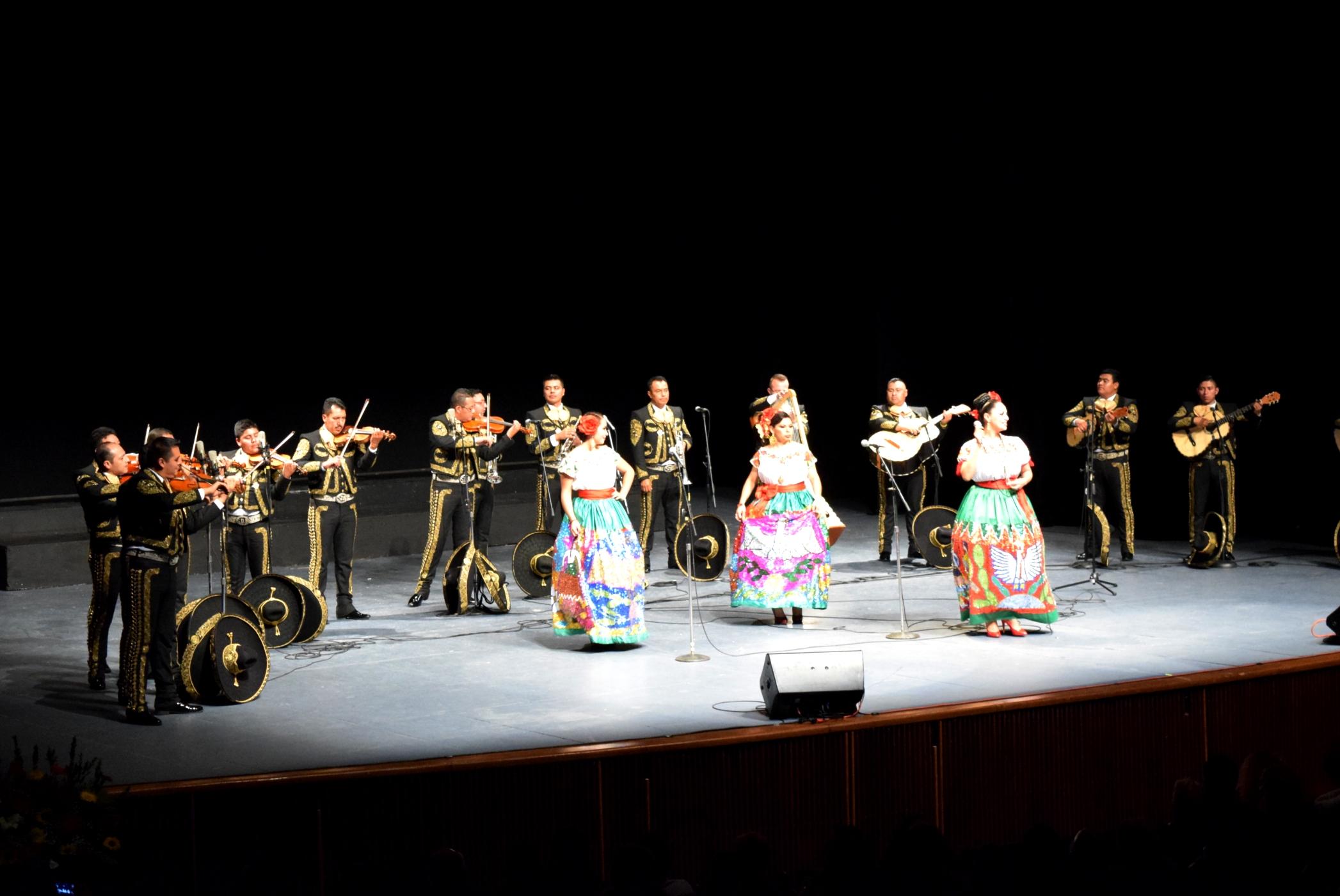 Brilló  la Orquesta de la Sedena en Aniversario del   Cecut