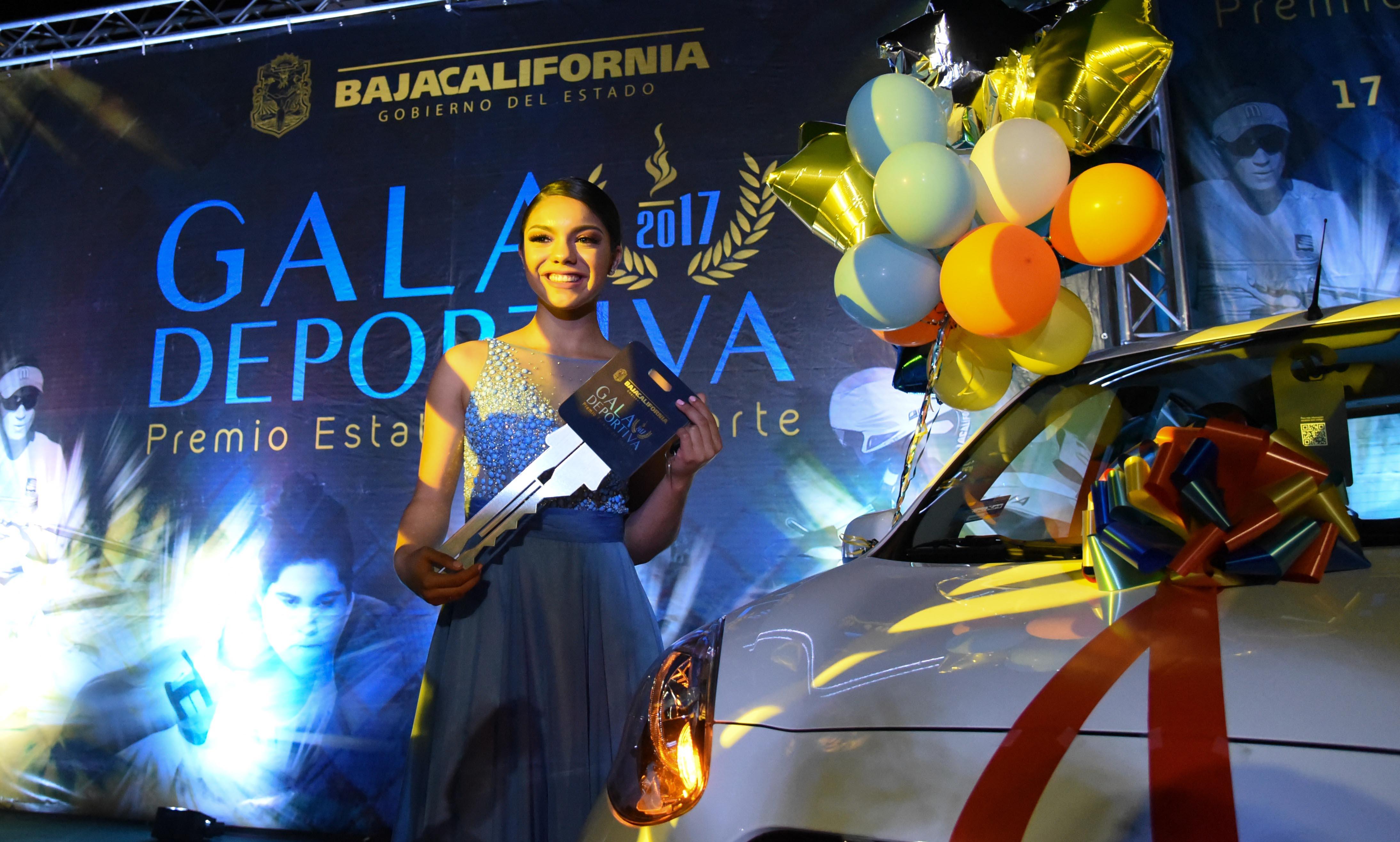 La esgrimista Natalia Botello fue declarada ganadora del Premio Estatal del Deporte
