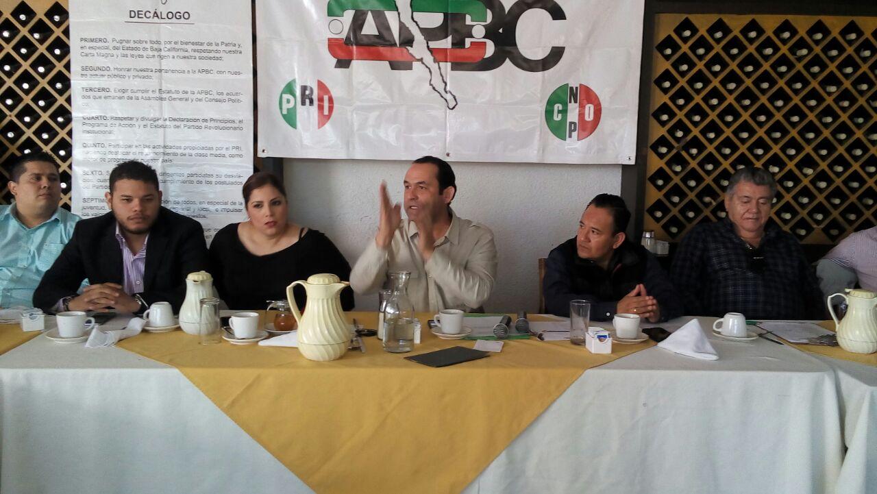 Reitera APBC respaldo a Roberto Haro para diputado federal