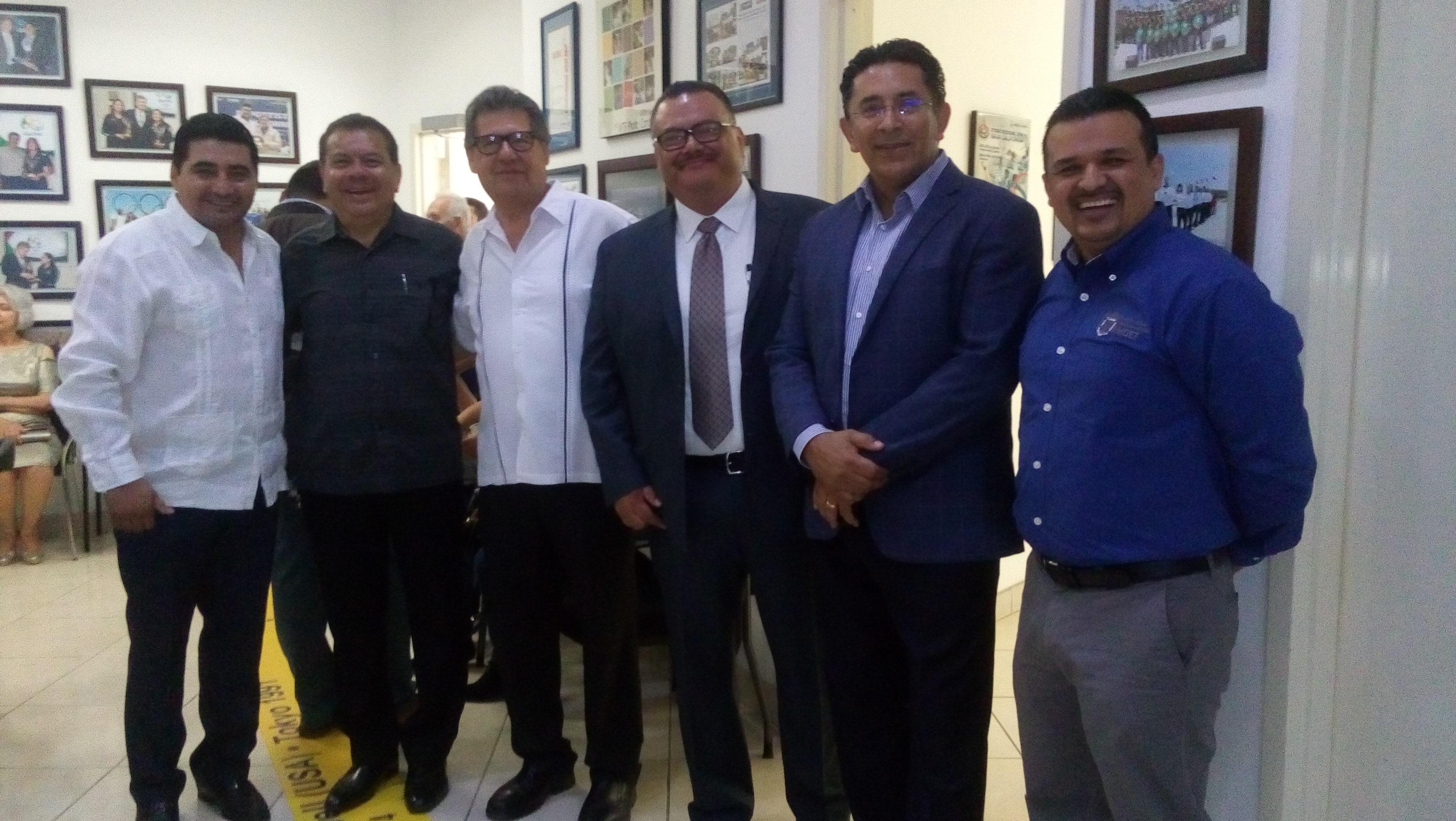 """Engalanó Erik """"Terrible"""" Morales trabajos del XX Congreso de Femecrode"""