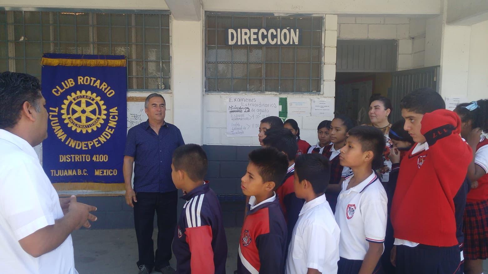 Continúa Club Rotario Independencia apoyando la educación