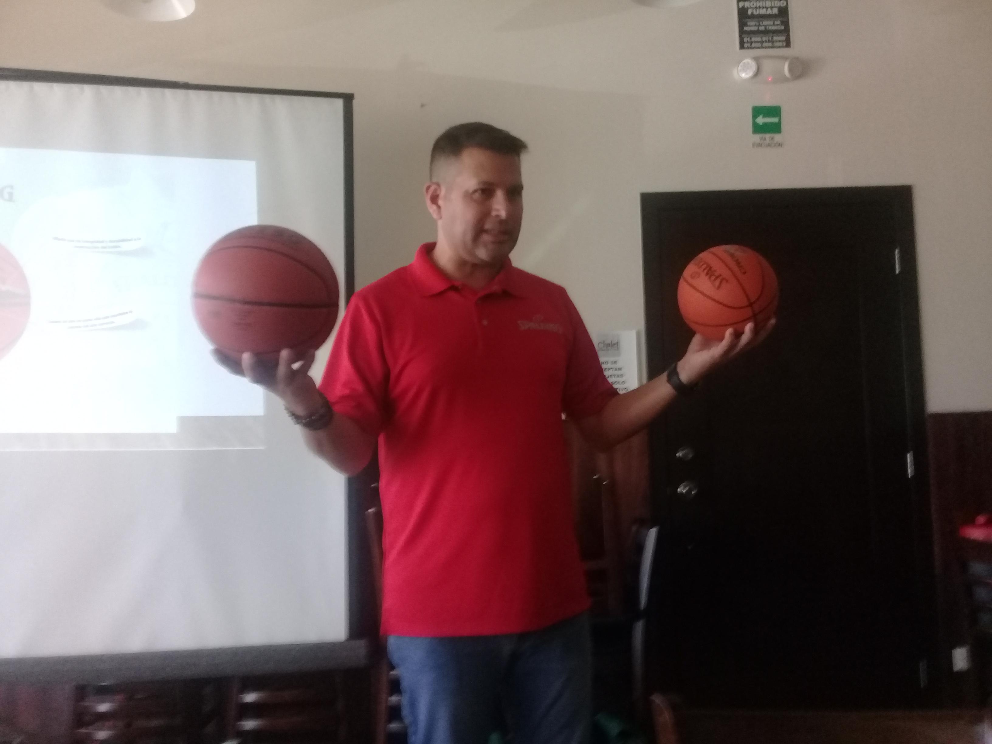 Jugarán torneos de ADEMEBA con balones Spalding