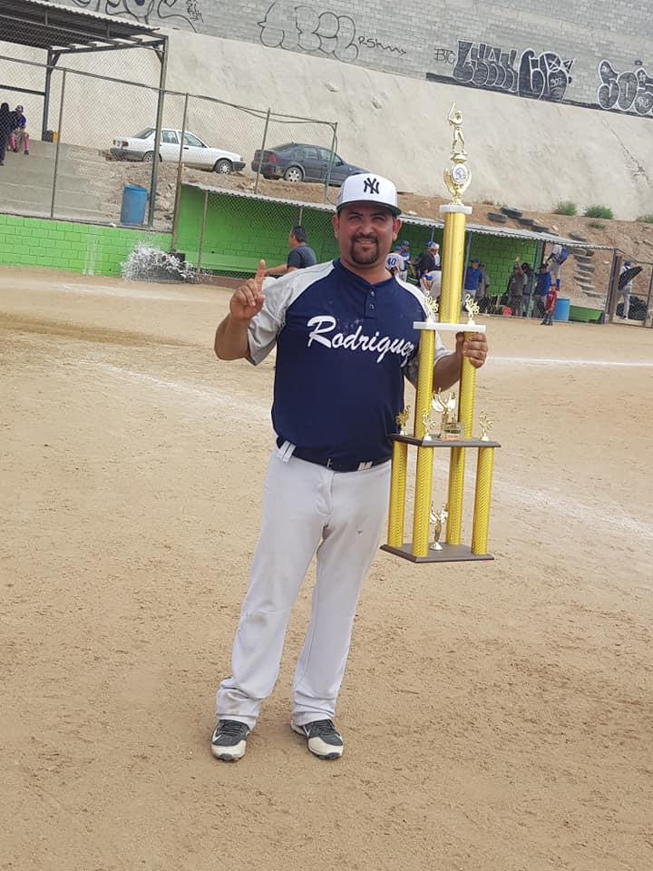 De manteles largos la Liga de Beisbol de La Mesa