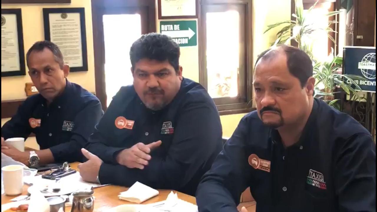Transportistas critican agresión a funcionario municipal