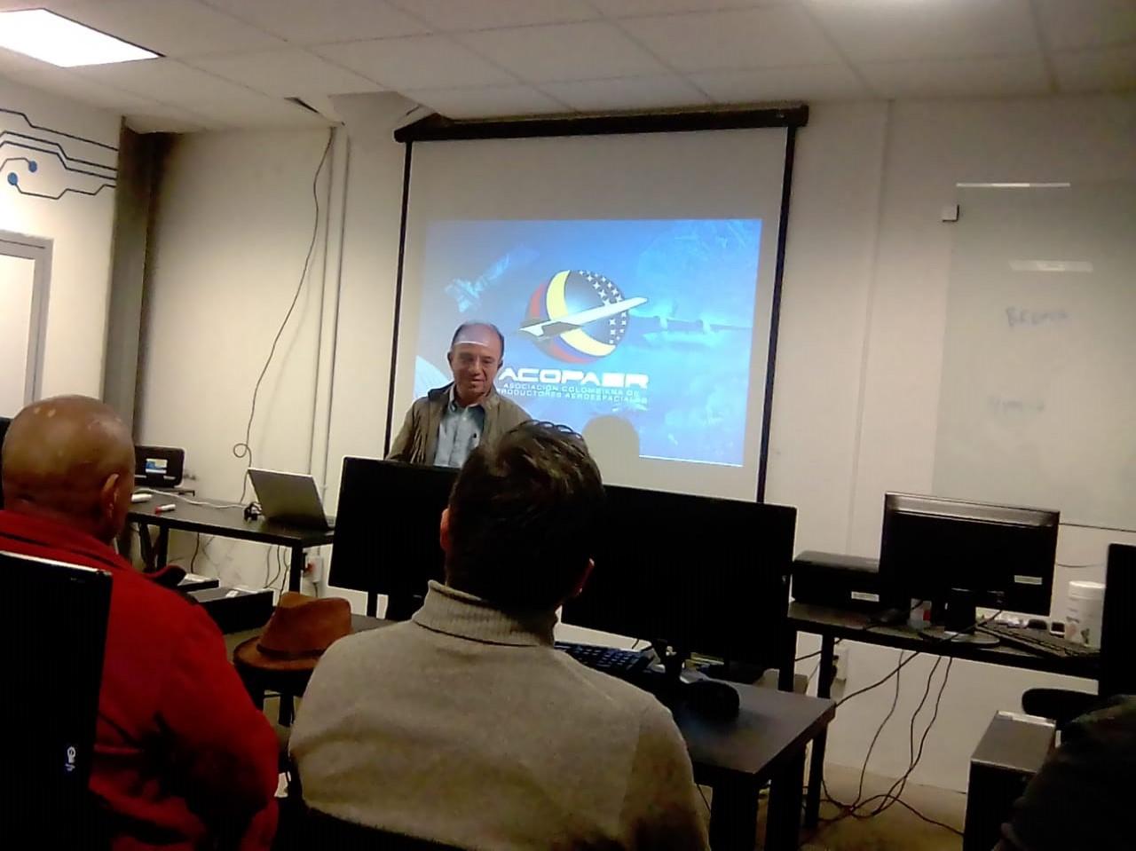 Comparten experiencia en Tijuana desarrolladores de la industria aeroespacial