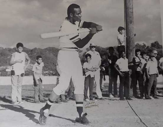 En memoria de la leyenda del béisbol Roberto Clemente