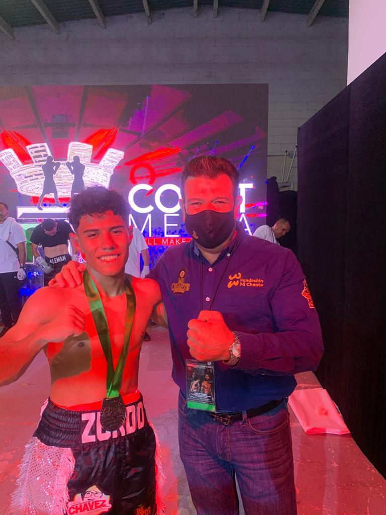 Brayan Luna promesa de título mundial de boxeo