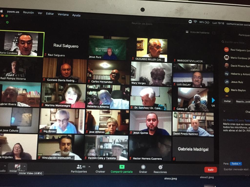 Critica David Piñera distorsión del español en redes sociales