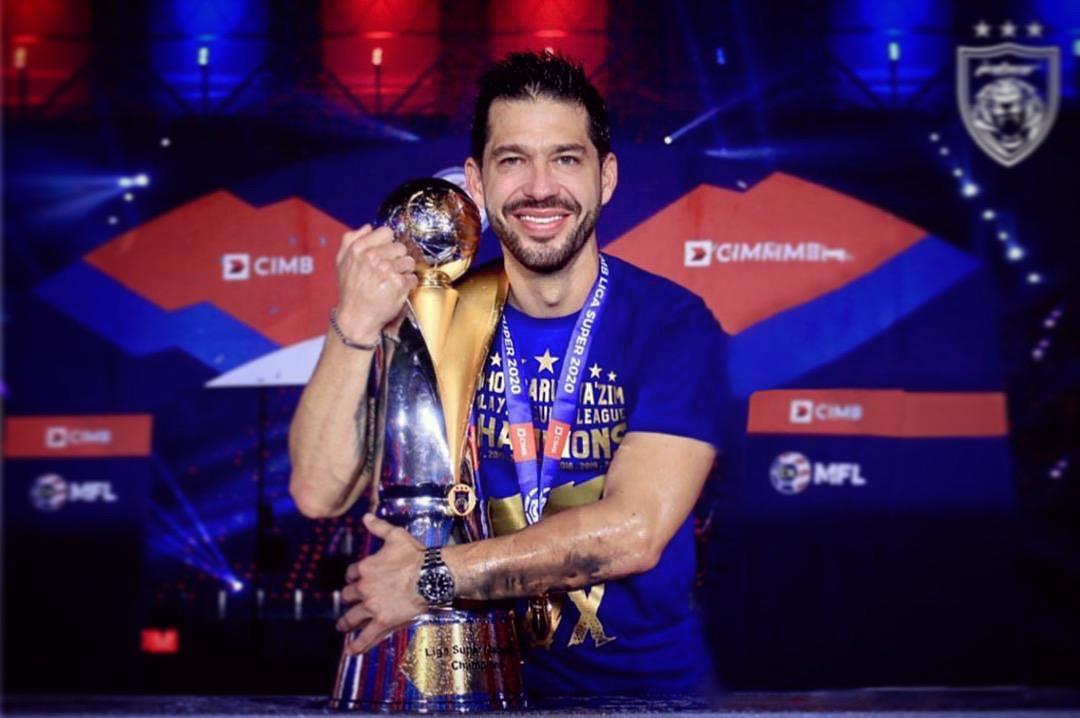 Director técnico tijuanense se coronó campeón del fútbol de Malasia