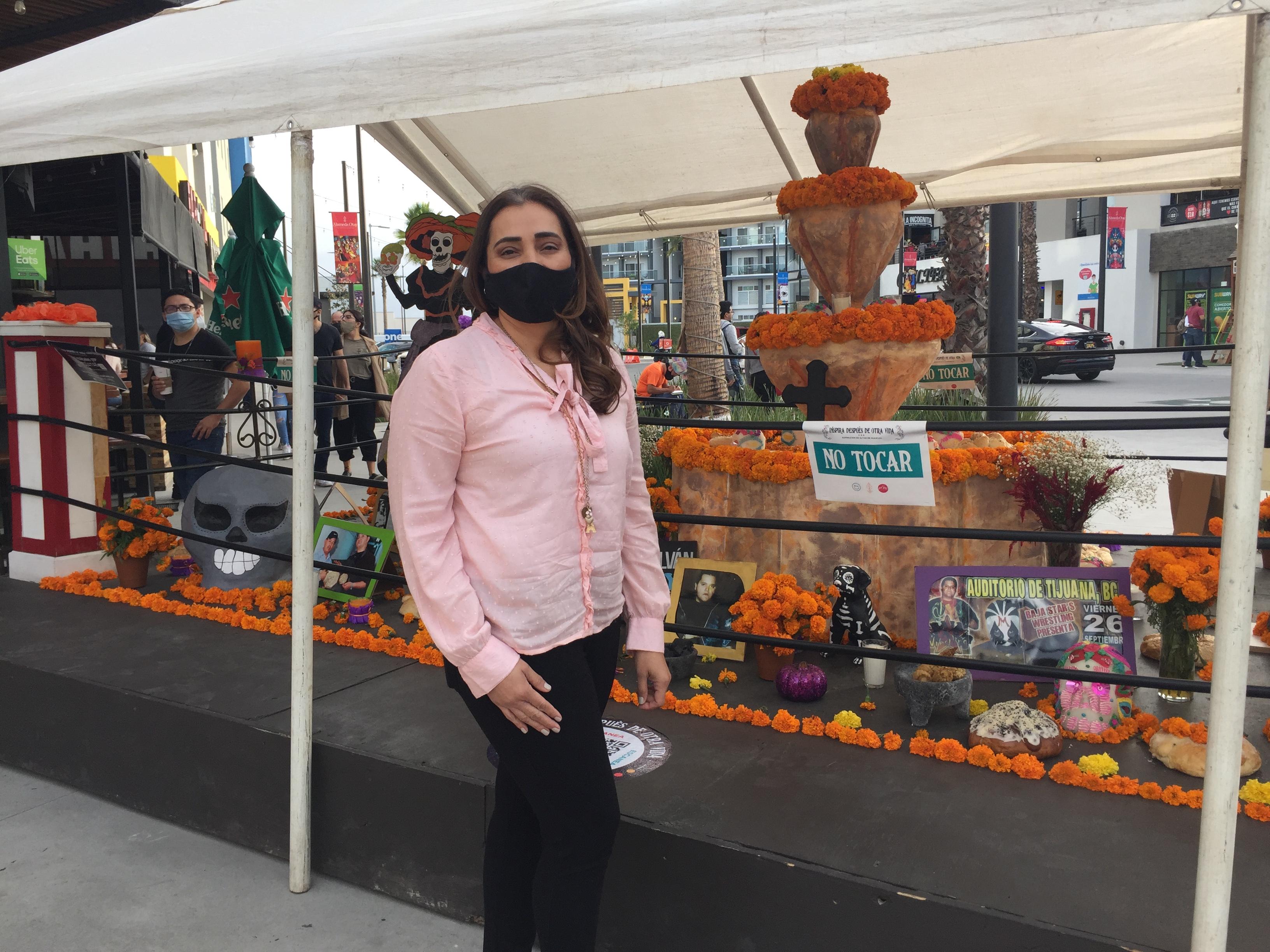 Presente Ecopiñatas en  Altar de Muertos,  Inspira Después de Otra Vida