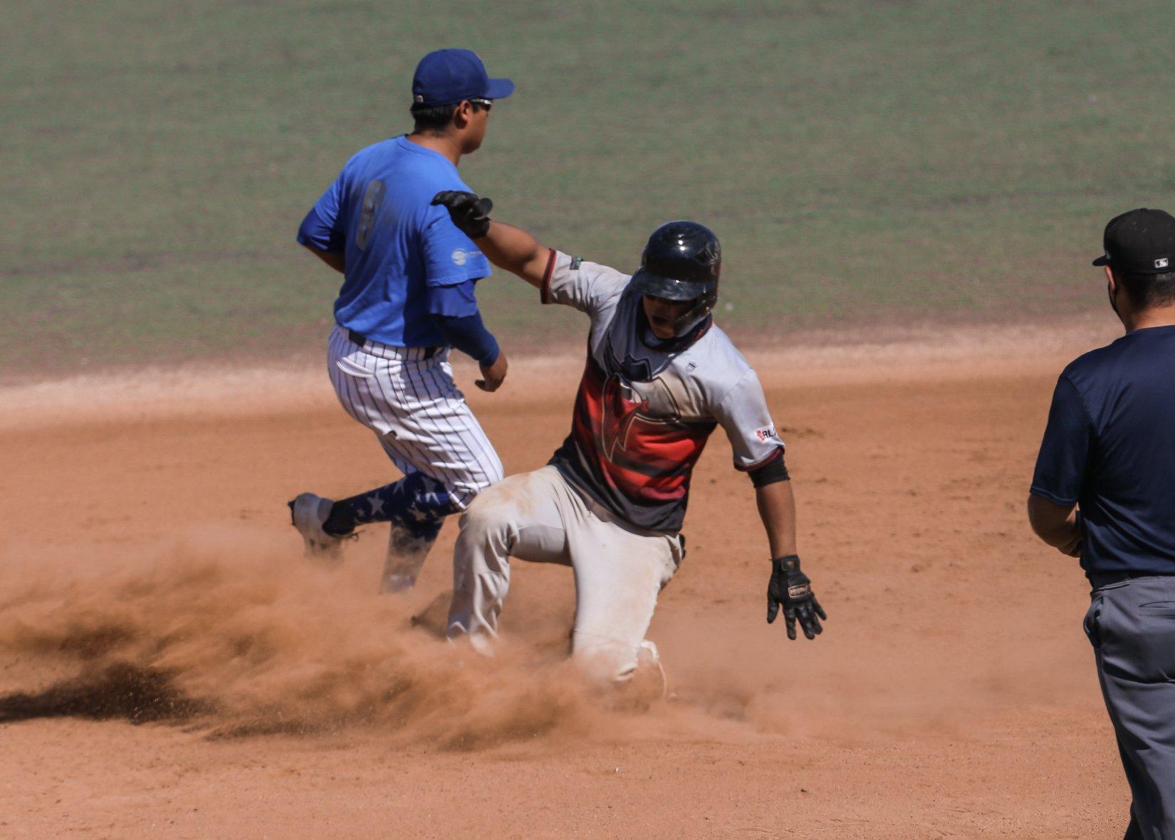 Azules IC Ensenada y Bandidos dividen en Estatal Beisbol INDEBC 2020