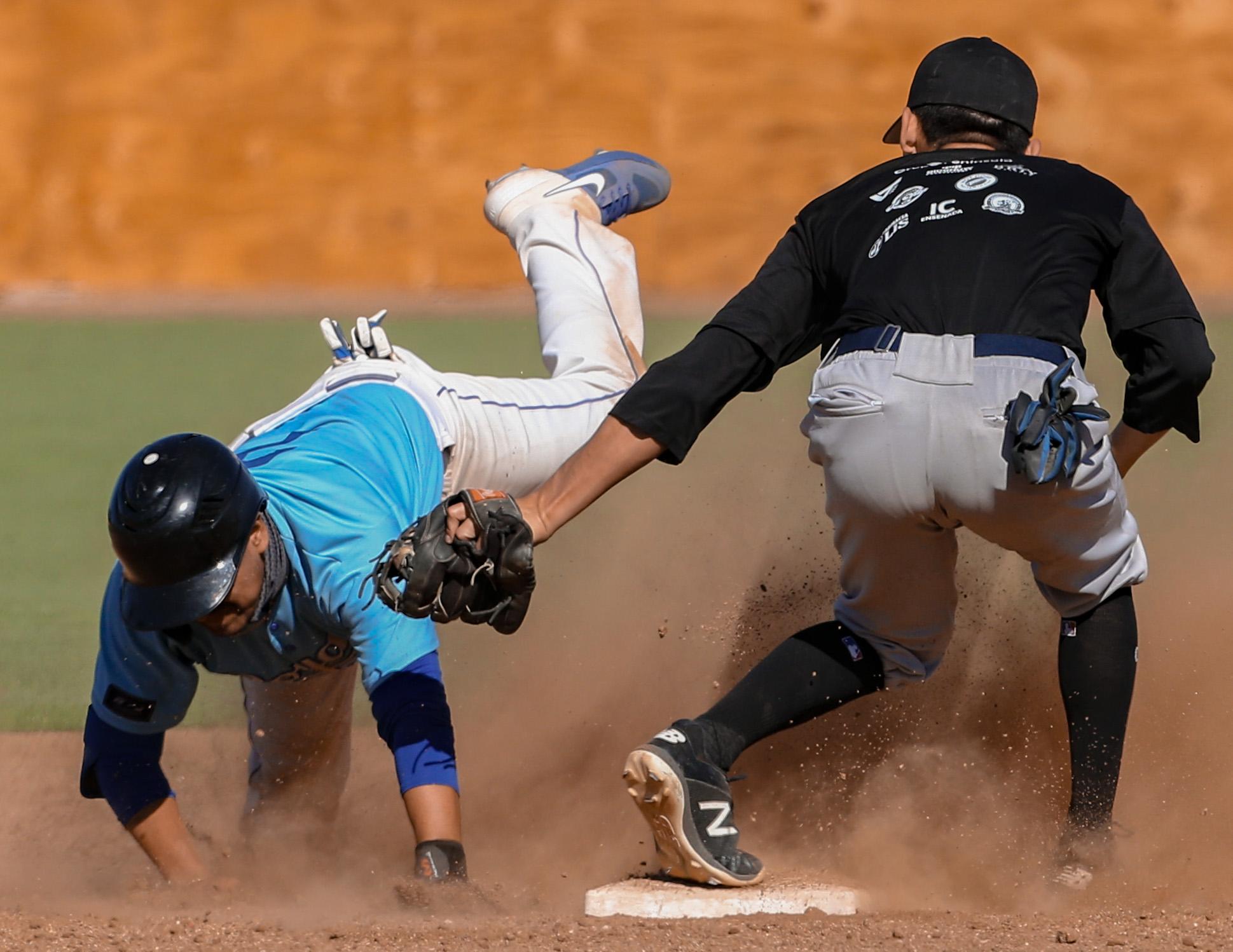 Royals y Ensenada se repartieron las victorias en Estatal de Beisbol INDEBC 2020