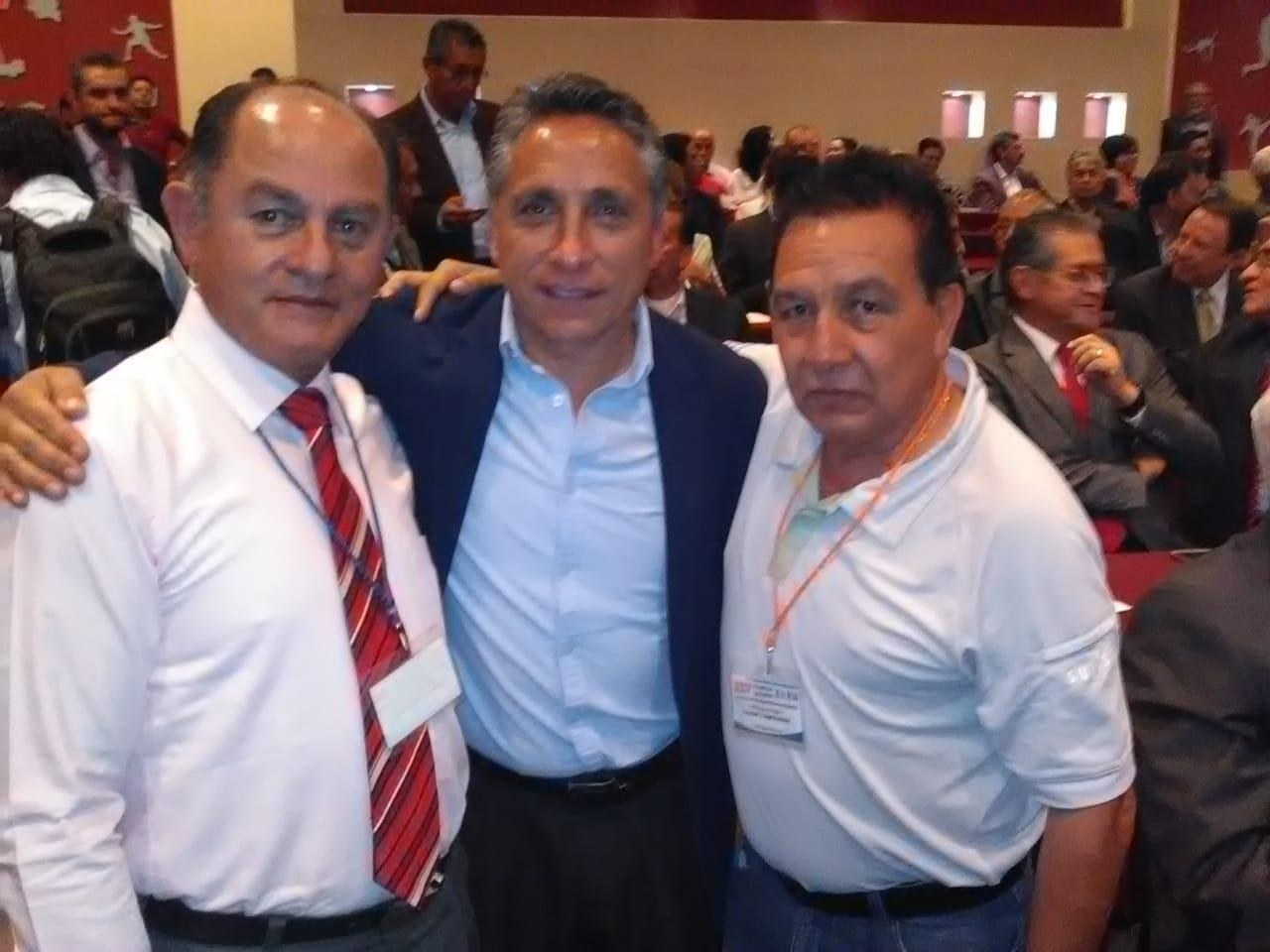 Ariel Ortiz y Noé Flores al comité  ejecutivo nacional de FEMECRODE
