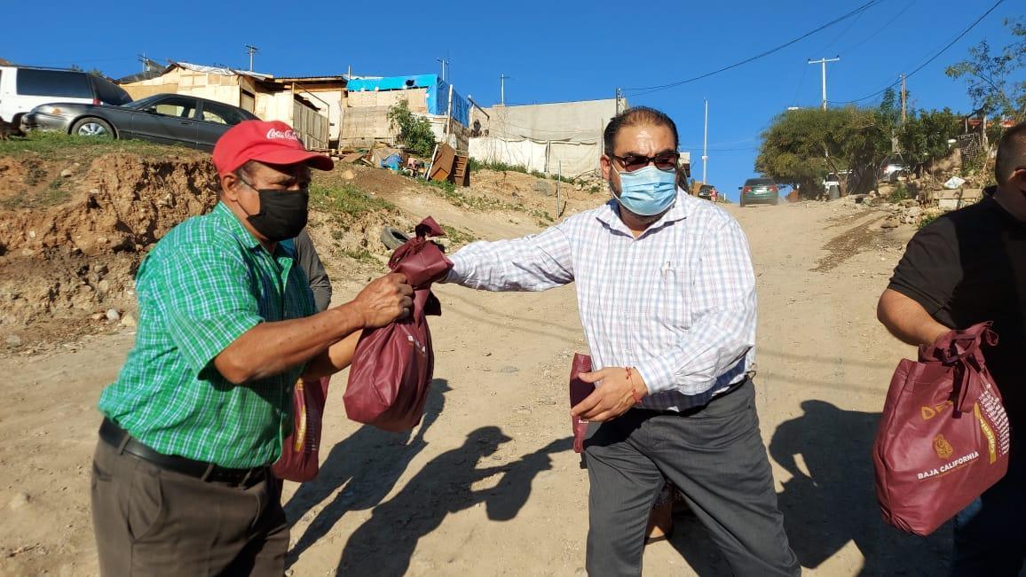 Cumple diputado Julio César Vázquez con gestiones para familias de escasos recursos