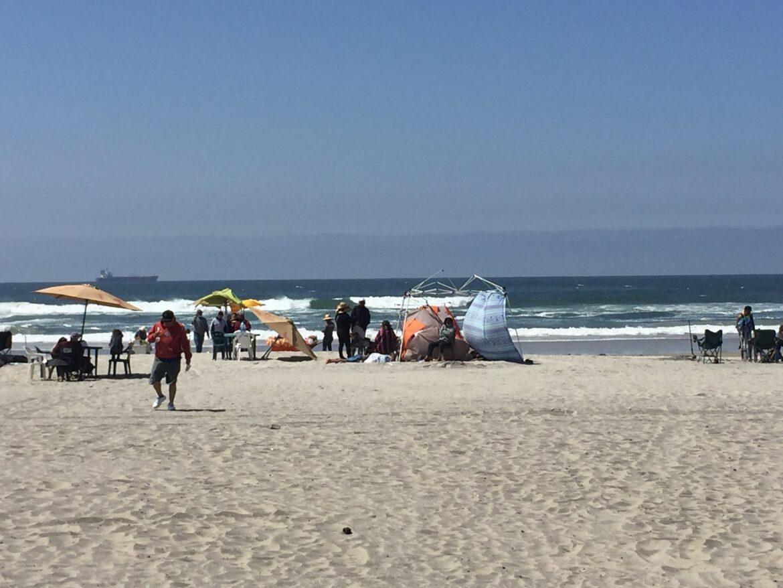 Disfrutan miles de turistas Playas de Rosarito