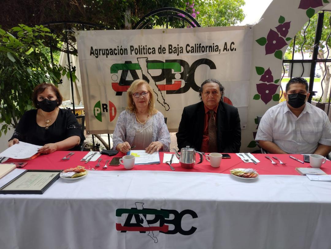 """""""A tope"""", deuda pública de Tijuana: Sergio Soto García"""