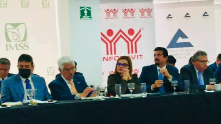 ParticipacGina Villalobos en reunión nacional de Concanaco